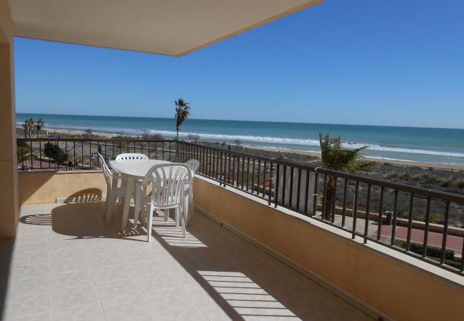 Appartement à Peñiscola - Appartement à 1er ligne de plage et avec très bonnes vues à la mer.